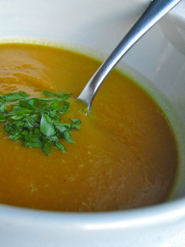 Curried Pumpkin Soup is flavored with apples and a hint of curry. It's the perfect way to warm up this fall! | TheCornerKitchenBlog.com #pumpkin #soup