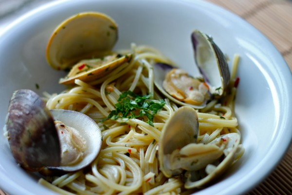 All it takes is 30 minutes until a plate of Spaghetti Vongole is in front of you!