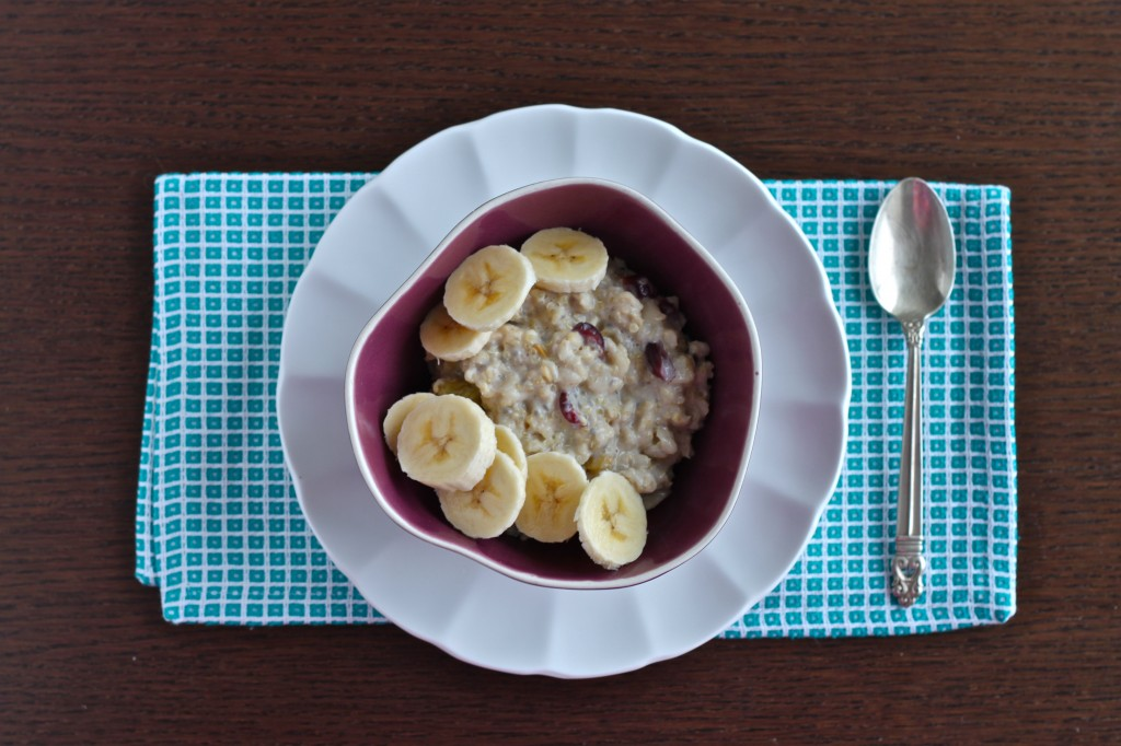 Oatmeal and Quinoa Breakfast Bowl