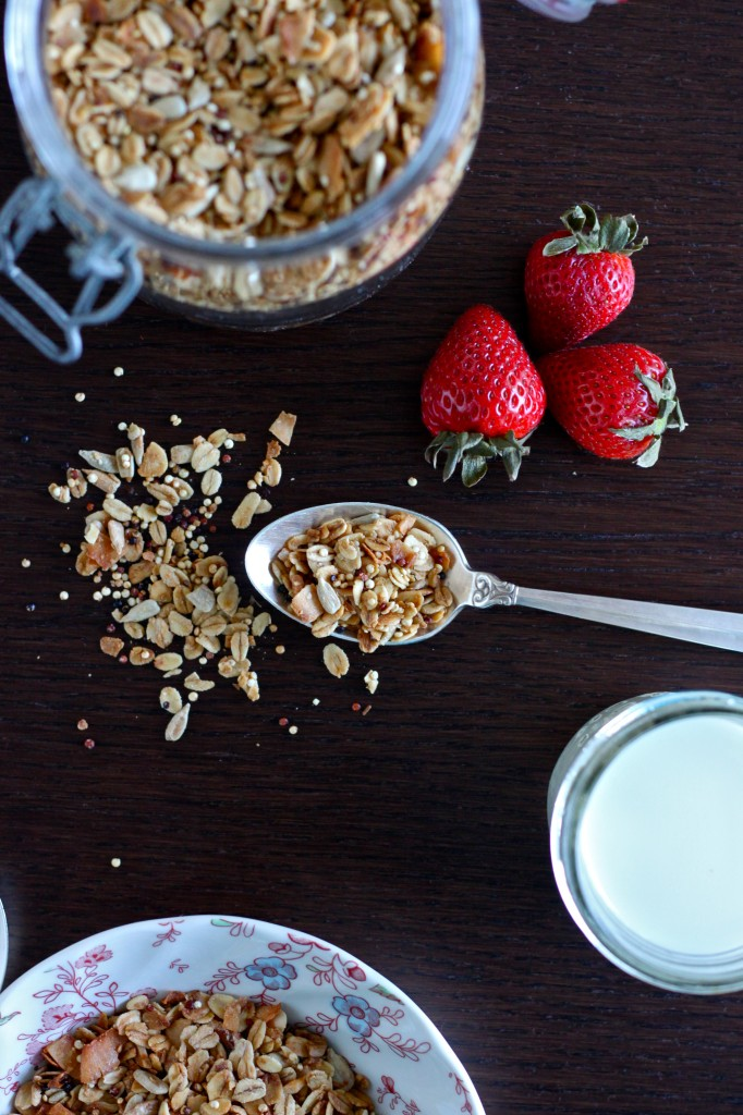 Maple Quinoa Granola is a delicious gluten free granola mixed with whole oats, crunchy quinoa, nuts & coconut, and naturally sweetened with pure maple syrup   TheCornerKitchenBlog.com #granola #quinoa