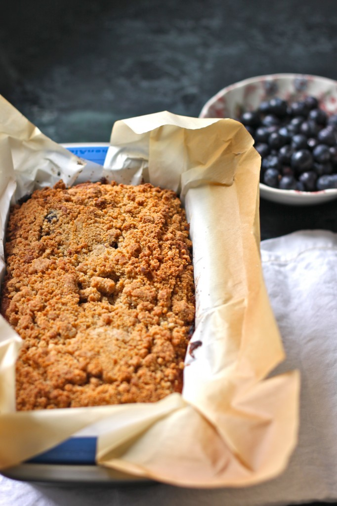 Blueberry Crumble Bread is a- thick, lightly sweetened quick bread loaded with fresh blueberries and complimented with a sweet crumble topping. | TheCornerKitchenBlog.com #baking #blueberry