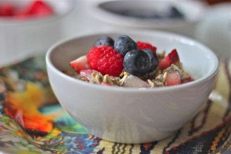 Mixed Berry Overnight Oats is a healthy and delicious make-ahead ...
