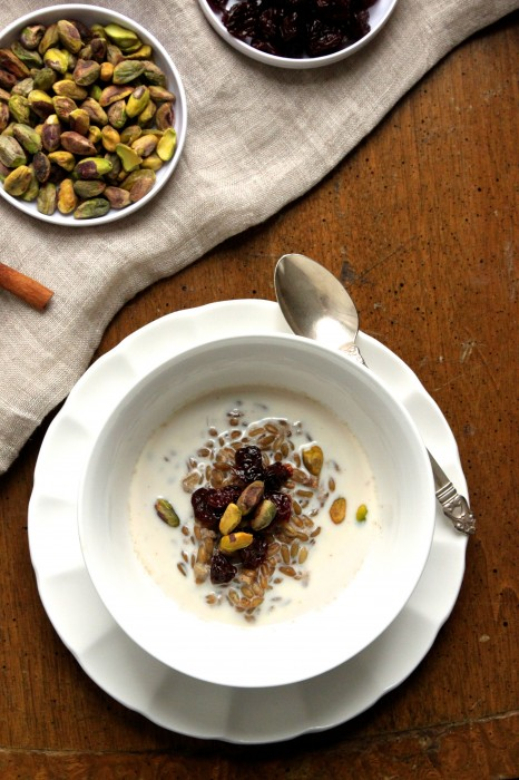 Since freekeh is filled with protein & fiber, this breakfast cereal is perfect for keeping you going all morning!  | TheCornerKitchenBlog.com #freekeh #breakfast #healthy