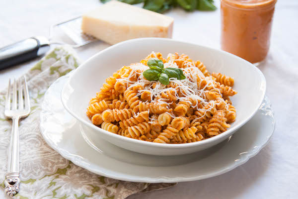 with just six ingredients and less than 10 minutes of prep,Roasted Red Pepper Pesto will come together before your pasta water even starts to boil! | TheCornerKitchenBlog.com #pesto