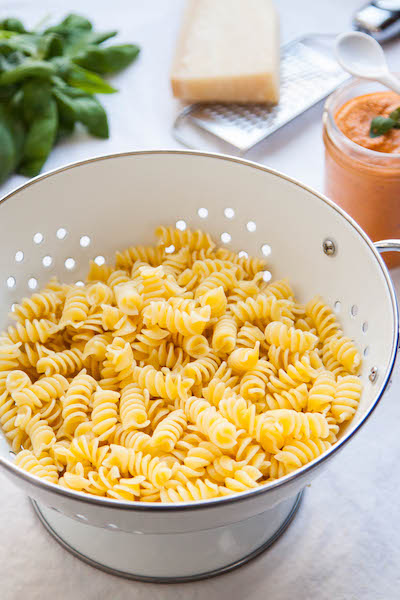 Roasted Red Pepper Pesto is perfect for those nights that you don't want to put a lot of effort into cooking and you're ready to eat now! | TheCornerKitchenBlog.com #pesto